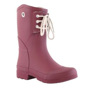 Nomad Rain Boot Color: Wine, Size 11. NEW!!